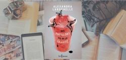 """Couverture du roman """"Des papillons pis de la gravité"""" de Alexandra Larochelle."""