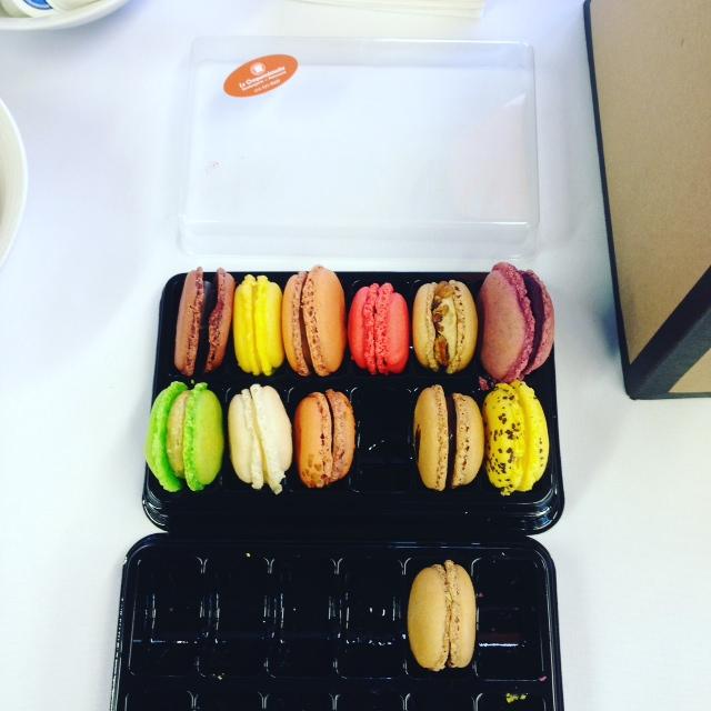 Macarons du Croquembouche, offerts par la Librairie Pantoute, dans le cadre de la Journée des librairies indépendantes.