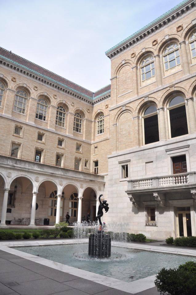 Cour intérieure de la Boston Public Library.