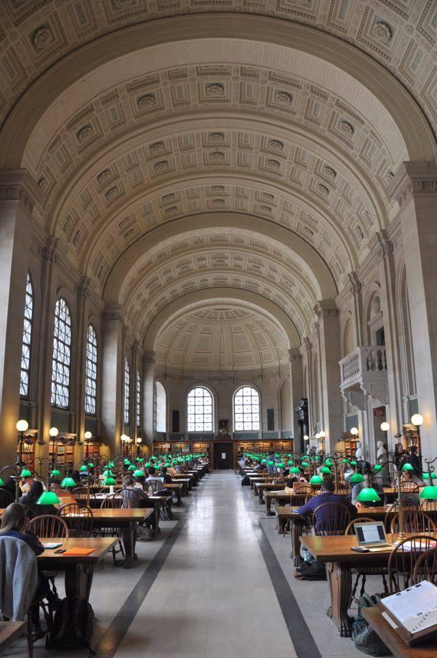 Salle de lecture de la Boston Public Library.